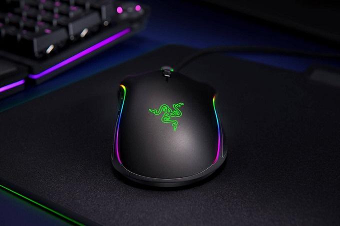 Il Razer Mamba Elite è un mouse da gaming di fascia media.