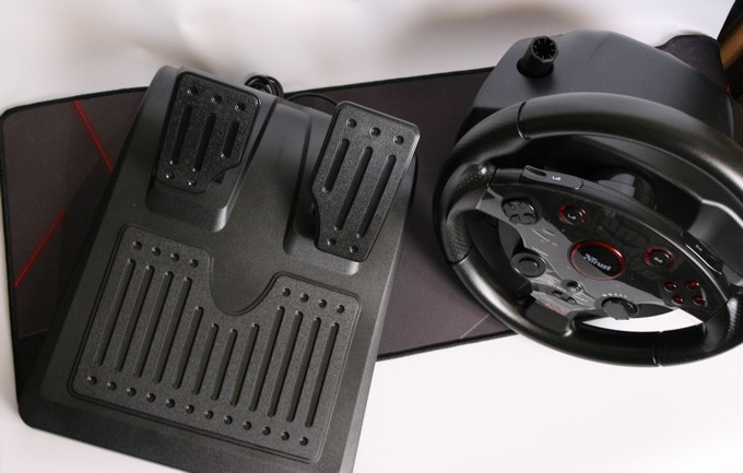 Trust Gaming volante racing wheel recensione